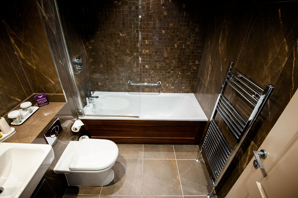 Standard Superior Room Bathroom